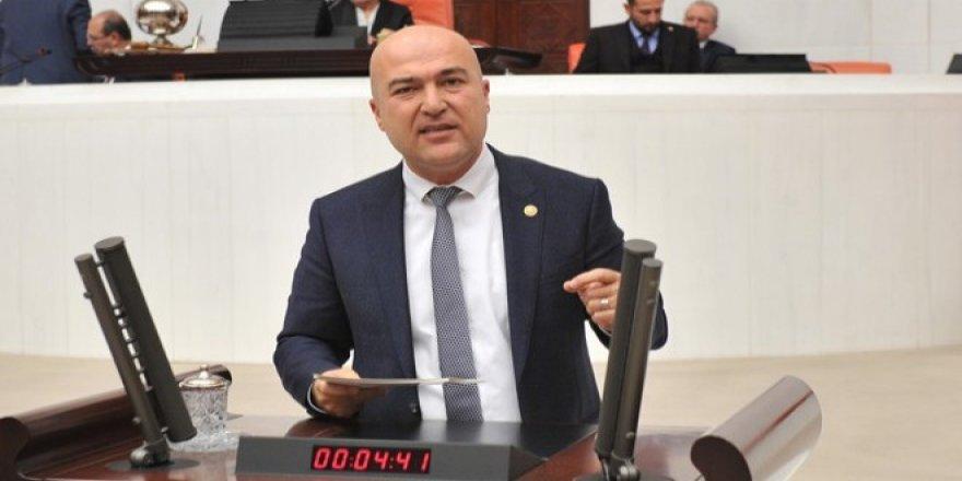 CHP'Lİ BAKAN ''KRİZ VATANDAŞIN GIRTLAĞINA ÇÖKTÜ!'
