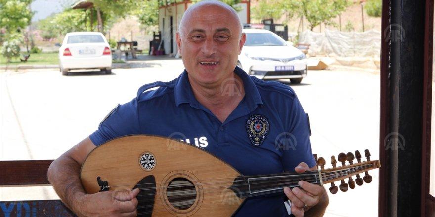 TRAFİK POLİSLERİ SÜRÜCÜLERE UT ÇALIP, ŞEKER İKRAM ETTİ