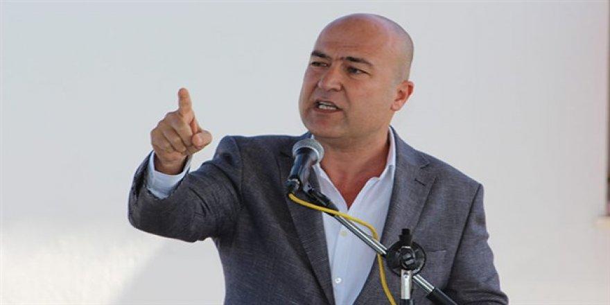 CHP'Lİ MURAT BAKAN EGE DENİZİ'NDEKİ ADALARI TBMM'YE TAŞIDI...