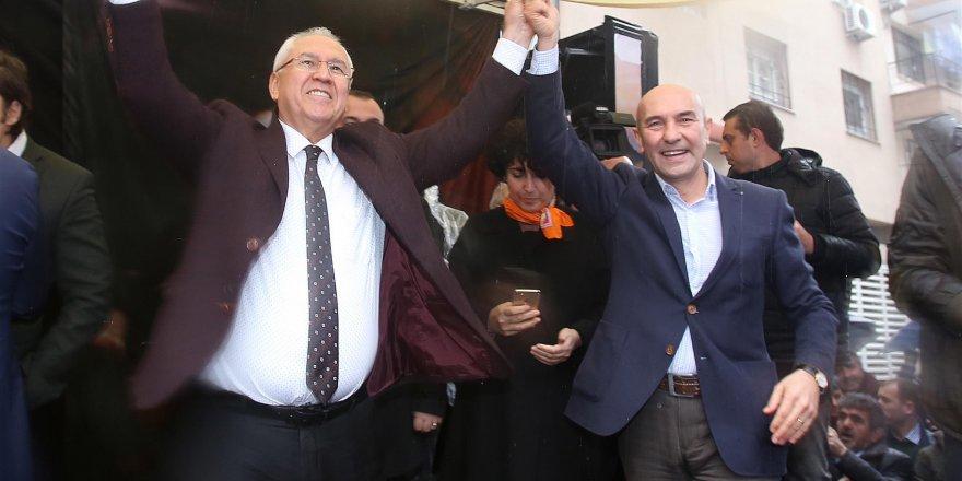 CHP'Lİ SELVİTOPU'NDAN COŞKULU SEÇİM BÜROSU AÇILIŞI