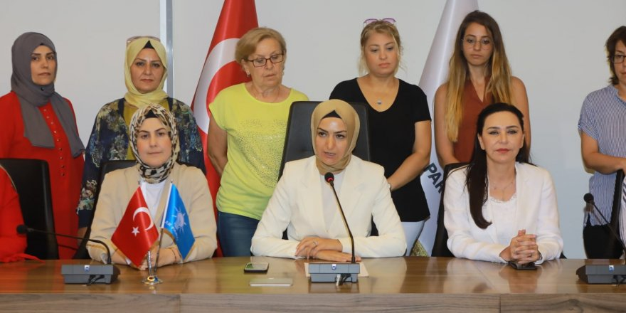 AK PARTİ İZMİR İL KADIN KOLLARI'NDAN  SREBRENİTSA SOYKIRIMI  AÇIKLAMASI...