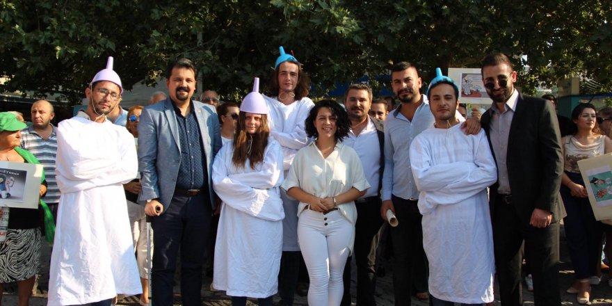 CHP'Lİ GENÇLERDEN HUNİLİ EYLEM