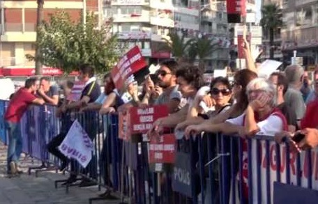 İzmir'de 1 Eylül Dünya Barış günü mitingi