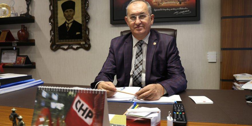 CHP'Lİ SERTEL EKONOMİ GAZETECİLERİYLE İLGİLİ YASA HAZIRLIĞINI SORDU