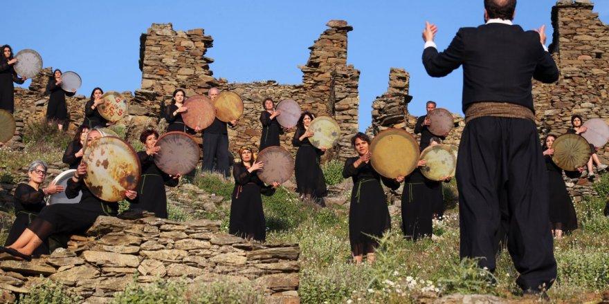 KARABURUN'DA ESKİ RUM KÖYÜ SAZAK,İZMİR'İN KAYAKÖY'Ü OLACAK