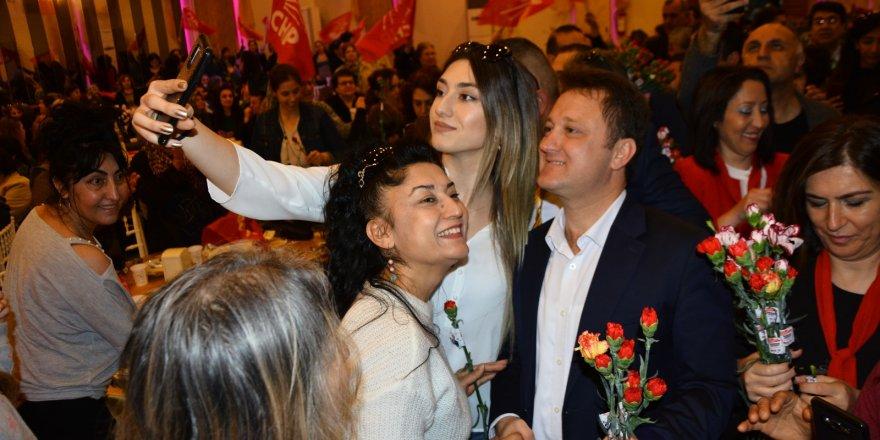 """CHP'Lİ AKSOY: """"MENEMEN'DE KADIN DEVRİMİ GERÇEKLEŞTİRECEĞİZ"""""""