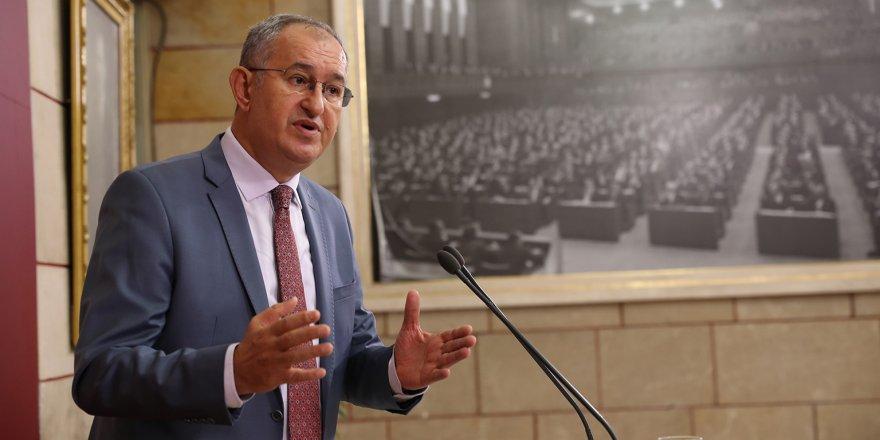 CHP'Lİ ATİLA SERTEL : 'GAZETELER BATIYOR, BATIYOR'