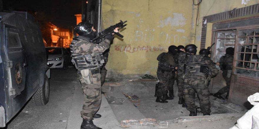 İZMİR'DE TERÖR OPERASYONU...PKK GÖZALTINDA...