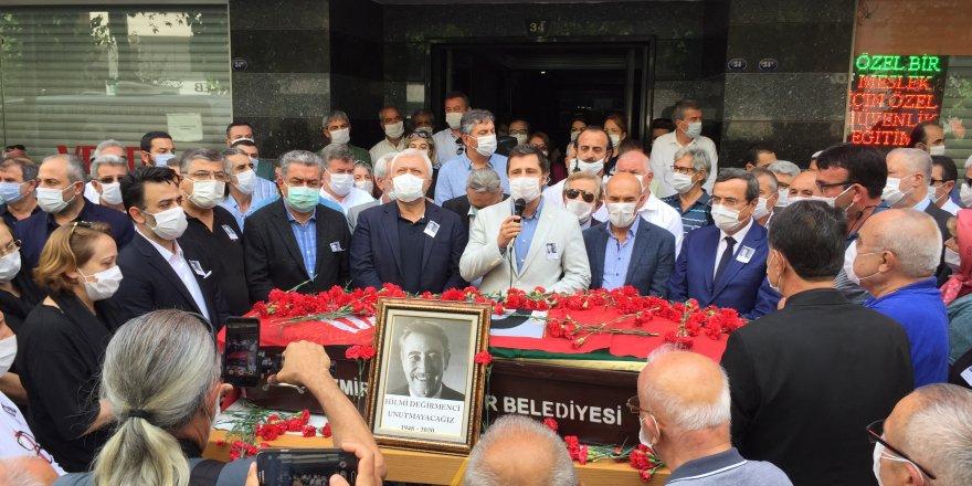 CHP İZMİR'DE HÜZÜNLÜ TÖREN..DEĞİRMENCİ SON YOLCULUĞUNA UĞURLANDI