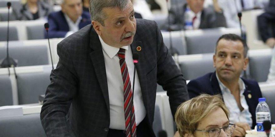 MHP KONAK'TAN ABDÜL BATUR'A 'ESNAFTAN BU YIL VERGİ ALMAYIN'