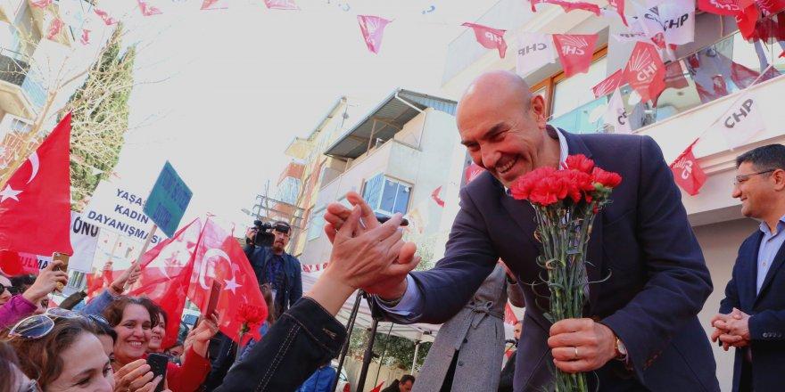 """TUNÇ SOYER: """"İZMİR'DE BELEDİYE ANA DÖNEMİ BAŞLIYOR"""""""