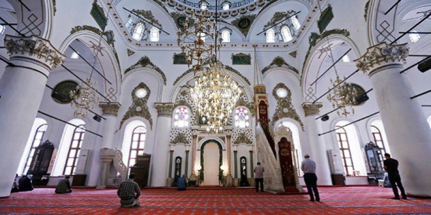 İZMİR'DE CAMİLERDEN 'KORONAVİRÜS' ANONSLARI YAPILIYOR