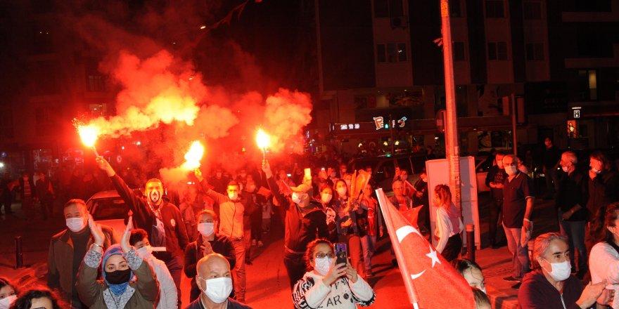 BALÇOVA'DA CUMHURİYET COŞKUSU MEYDANLARA SIĞMADI