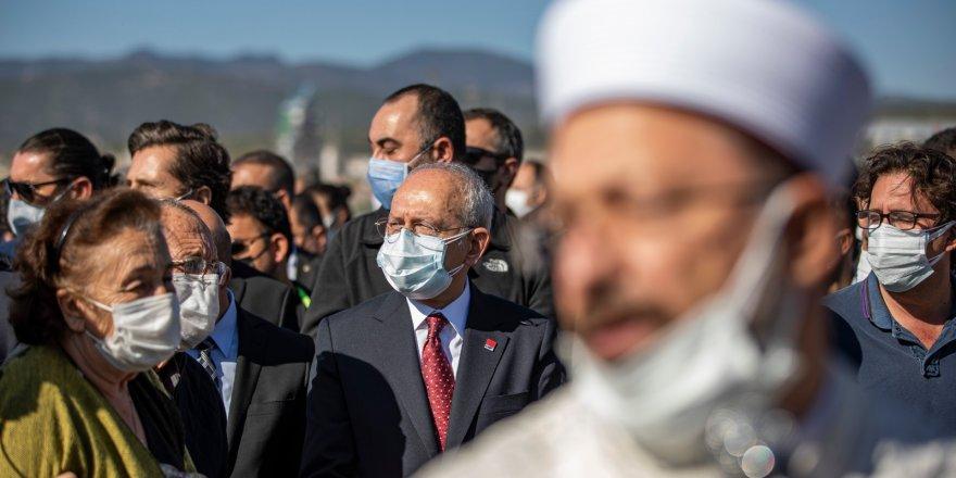 CHP GENEL BAŞKANI KILIÇDAROĞLU İZMİR'DE..CENAZE TÖRENİNE KATILDI