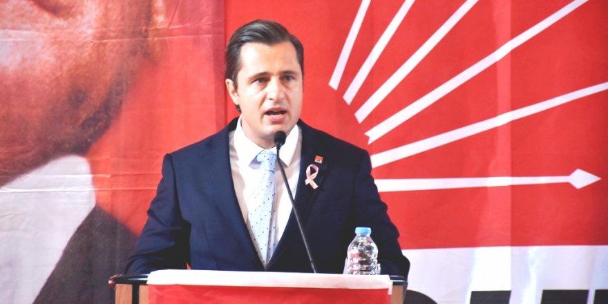 CHP İZMİR İL BAŞKANI YÜCEL:'KALEMİNİ SATMAYAN GAZETECİLERE SELAM OLSUN'