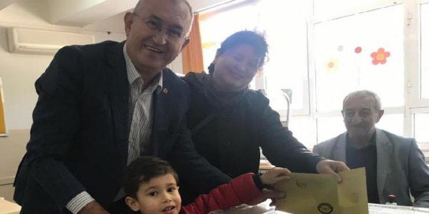 CHP'Lİ SERTEL OYUNU TORUNUYLA KULLANDI
