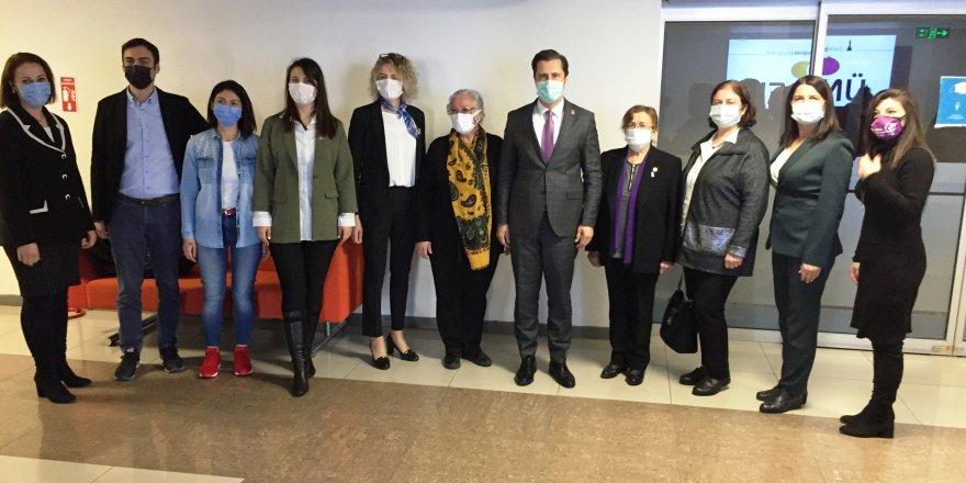 CHP İZMİR'DEN KADIN DERNEKLERİNE 'İSTANBUL SÖZLEŞMESİ' ZİYARETLERİ