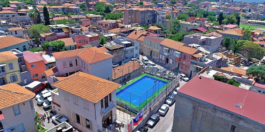 İZMİR'DE MAHALLE ARASI HAVUZ ZAMANI