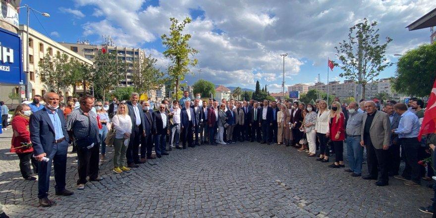 AK PARTİ BORNOVA'DAN VATANDAŞLARLA EŞ ZAMANLI TOPLANTI