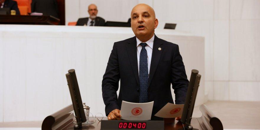 CHP'Lİ MAHİR POLAT FOÇA'DAKİ YANGININ PEŞİNİ BIRAKMIYOR!