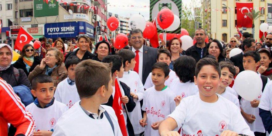 CHP'Lİ SINDIR: '23 NİSAN 1920'DE OLDUĞU GİBİ BUGÜNDE BİRLİĞİMİZİ BOZAMAYACAKLAR'