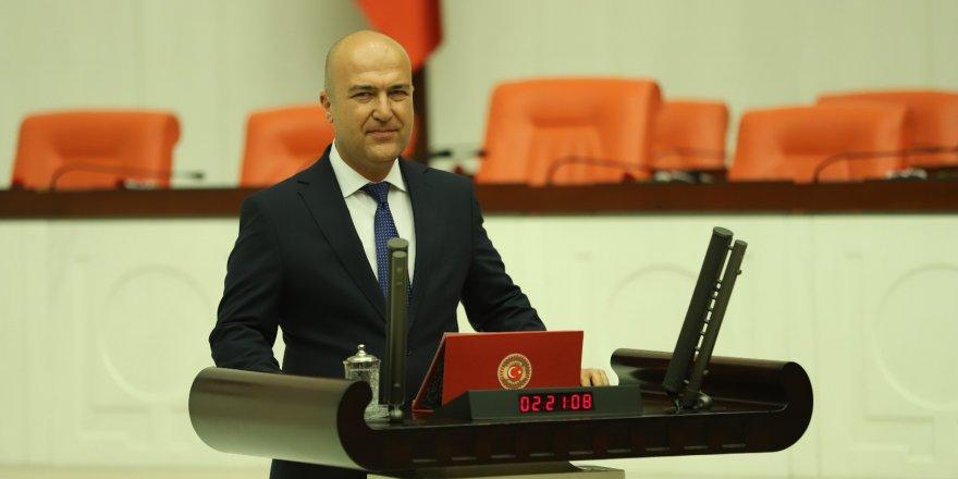 CHP İZMİR MİLLETVEKİLİ MURAT BAKAN ÇÖP İTHALİNİ TBMM'YE TAŞIDI...