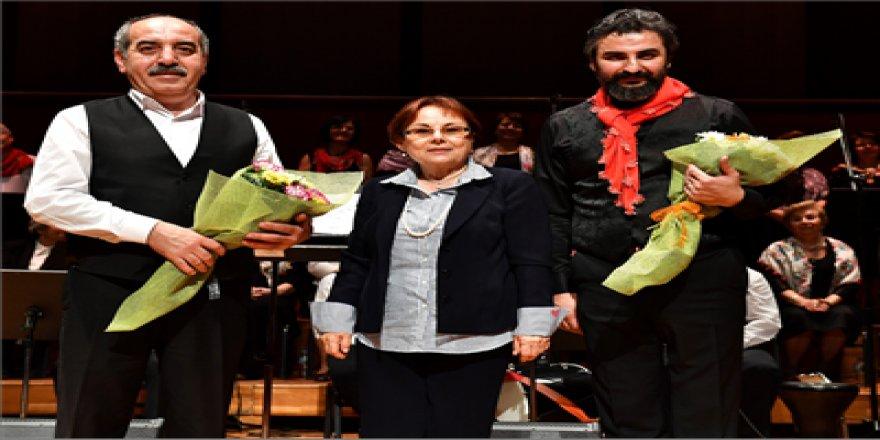 İZMİR'DE HAYAT 'yAŞ ALINCA DA GÜZEL'