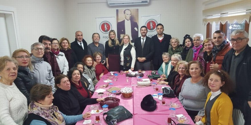 CHP'NİN FOÇA ADAYI FATİH GÜRBÜZ, FOÇALI KADINLARLA BULUŞTU